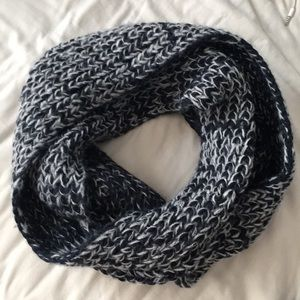 Abercrombie & Fitch Infinity Scarf
